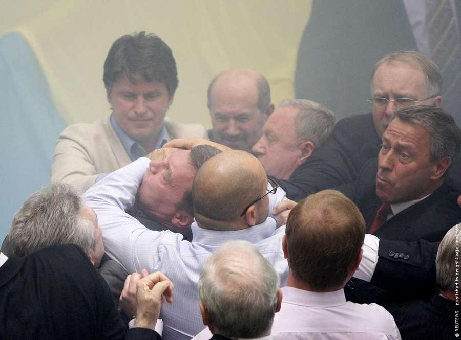 ukrainian-parliament-06