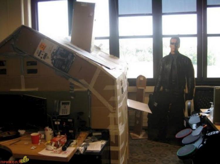 kabinet-iz-kartona-13