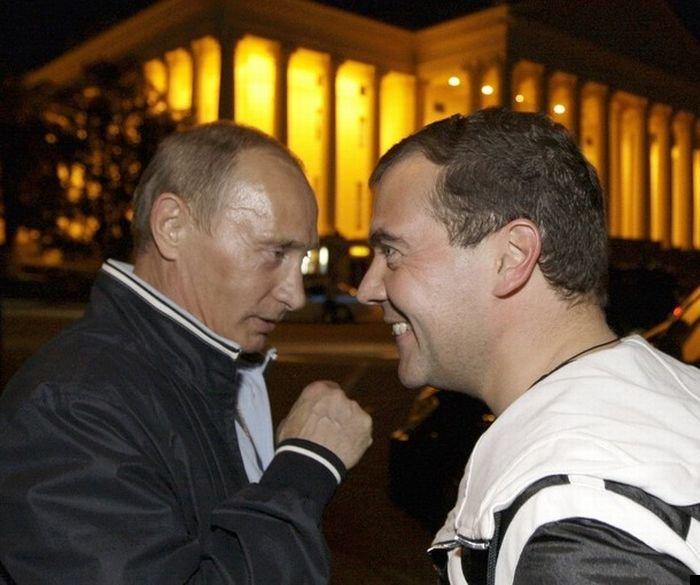 medvedev-putin-football-03