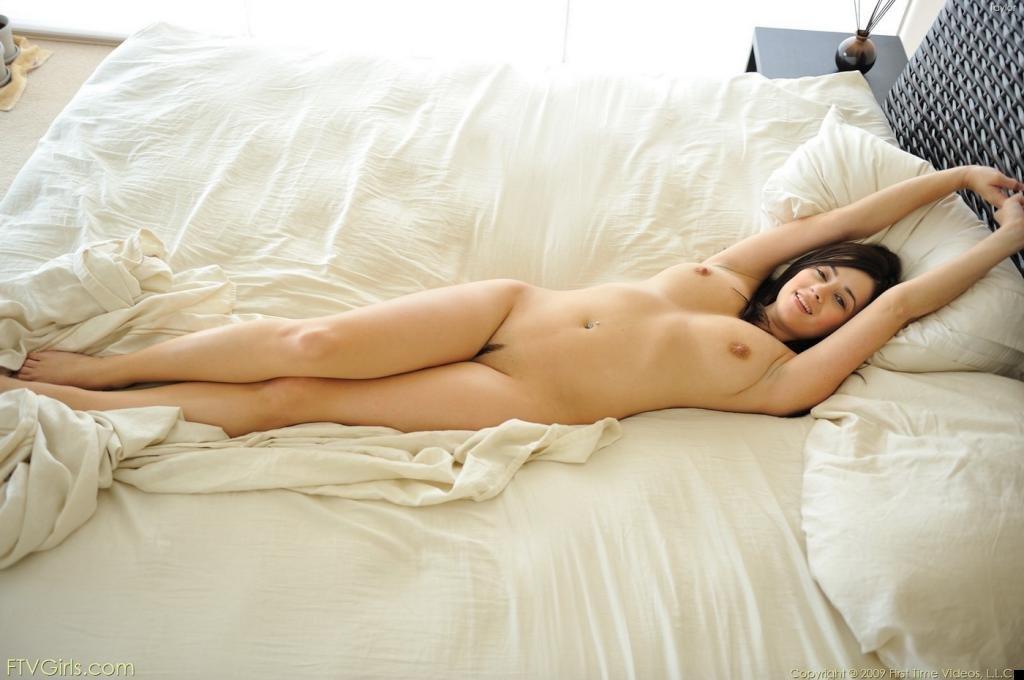 nude-girl-300809-04