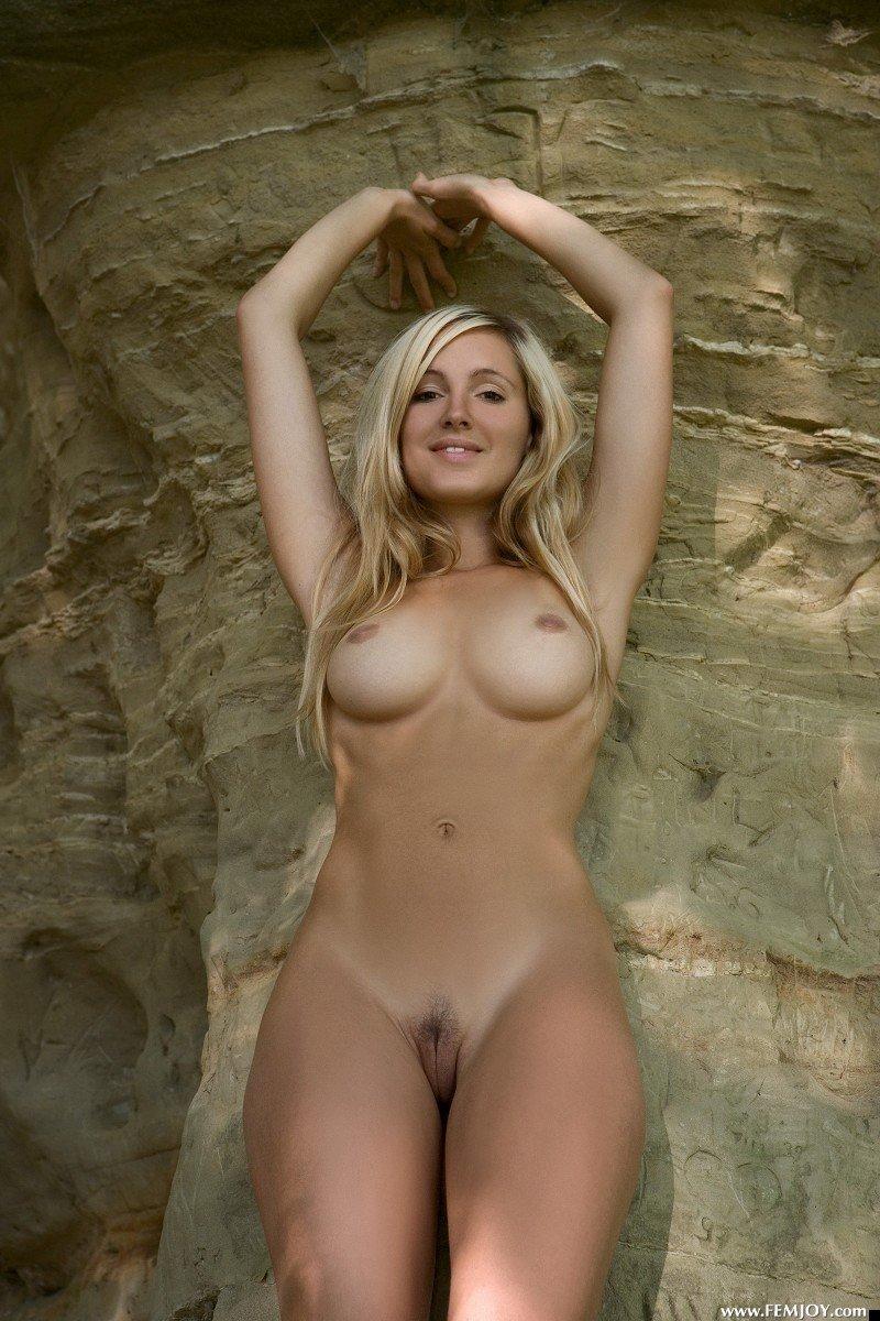 nude-girl-corrina-200809-05
