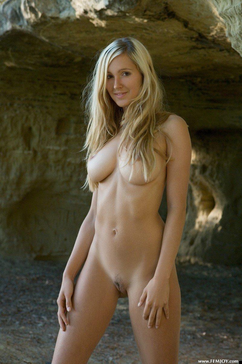 nude-girl-corrina-200809-11
