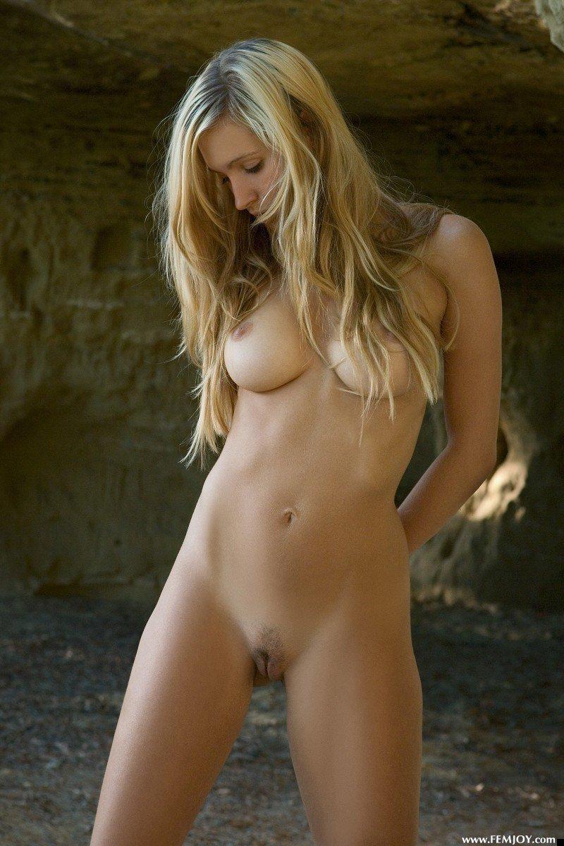 nude-girl-corrina-200809-12