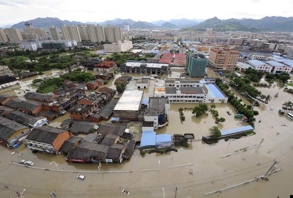 typhoon-morakot-11