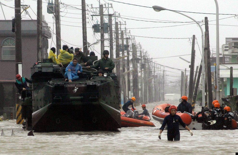 typhoon-morakot-21