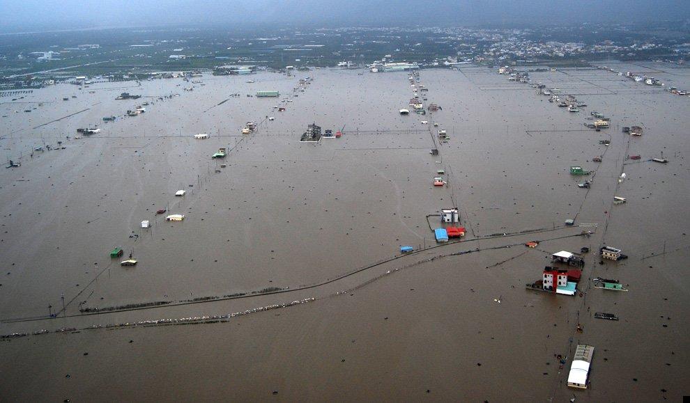 typhoon-morakot-23