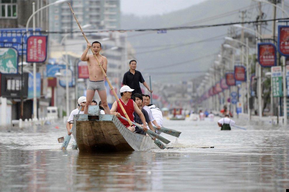 typhoon-morakot-25