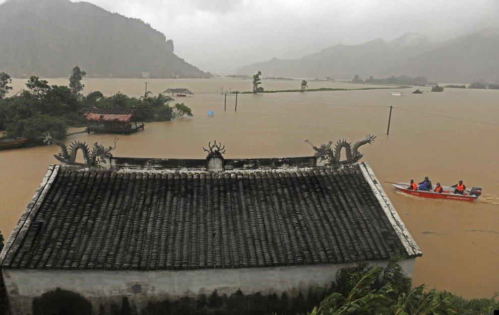 typhoon-morakot-30
