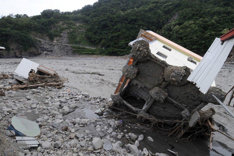 typhoon-morakot-32