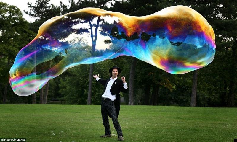 worlds-largest-free-floating-bubble-01