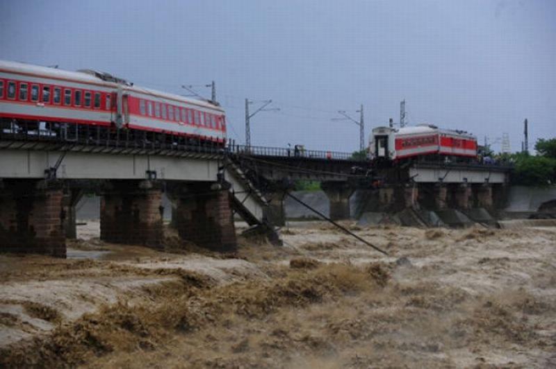 china-train-06