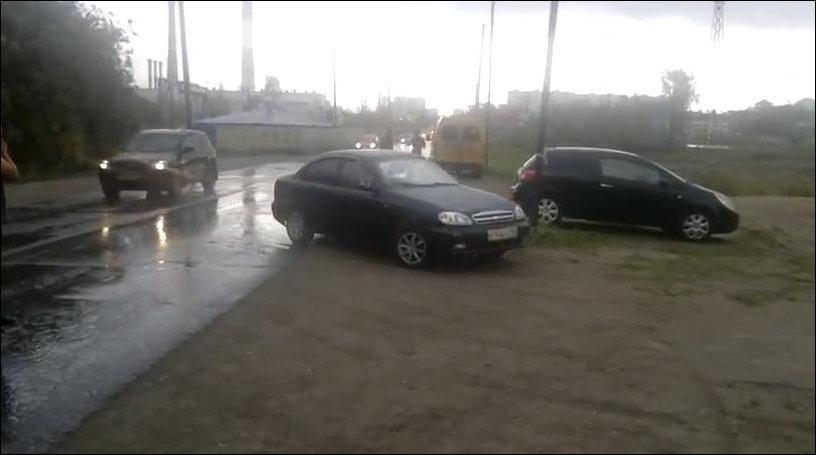 Машина едет без водителя