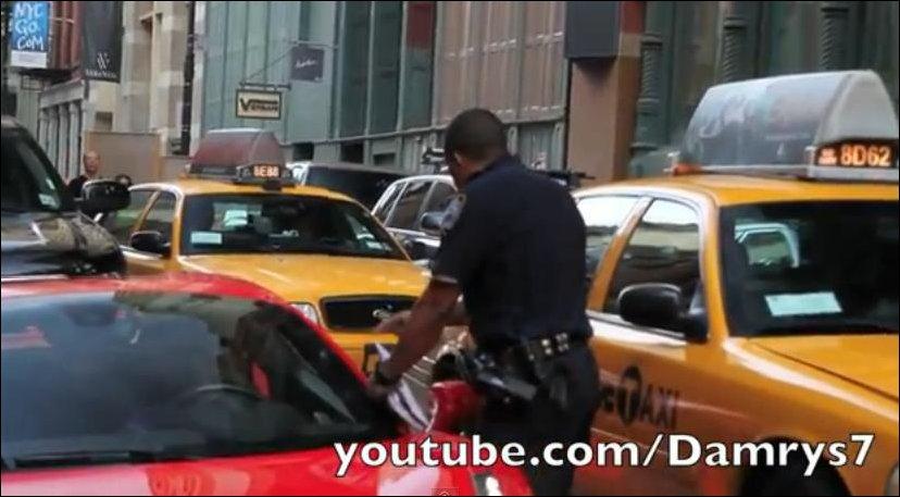 Полиция Нью-Йорка за работой