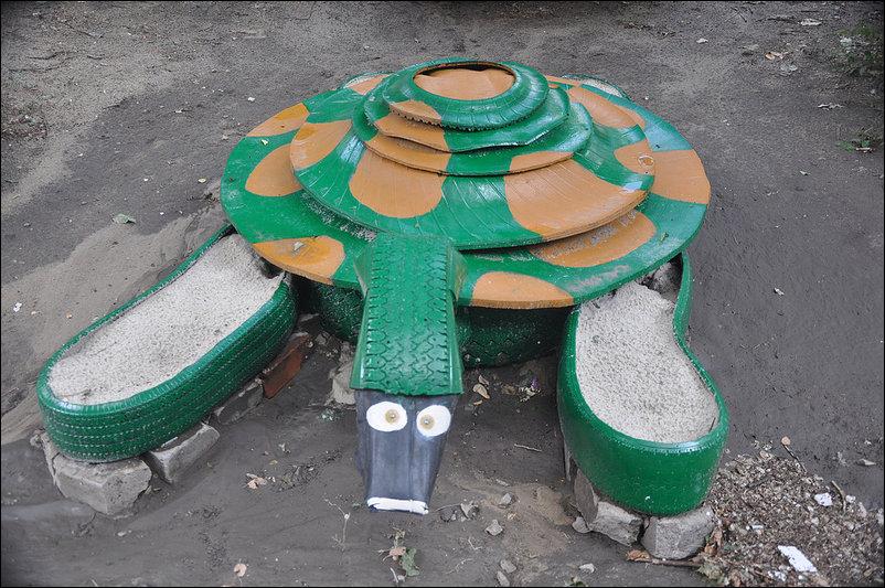Игровая площадка из старых покрышек