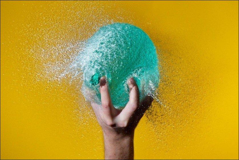 Лопающиеся шарики с водой