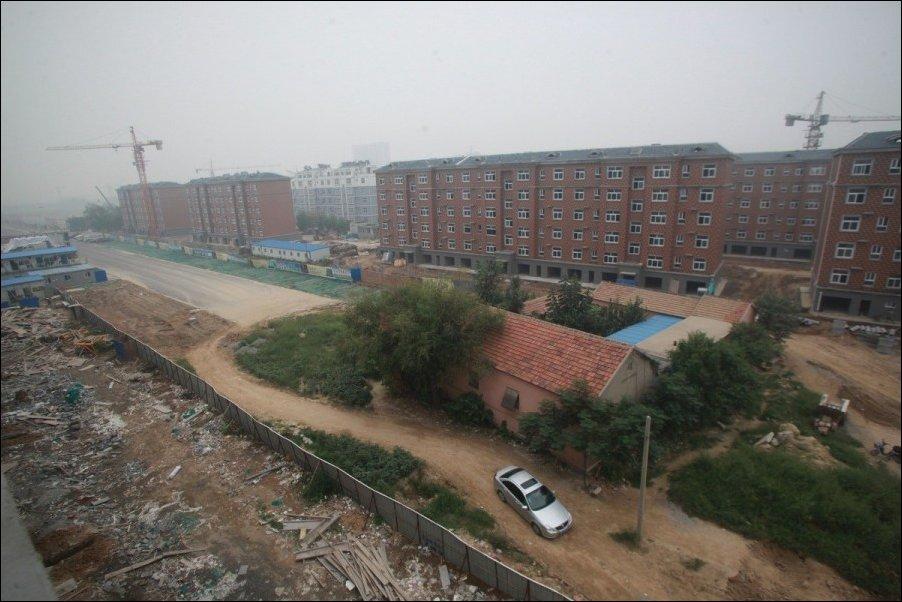 Китайская ферма на шоссе