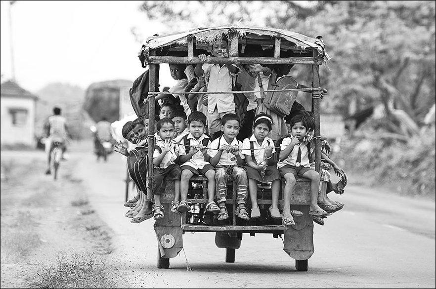 Трудный путь в школу