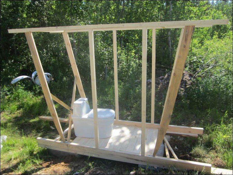 Деревенский туалет построить своими руками