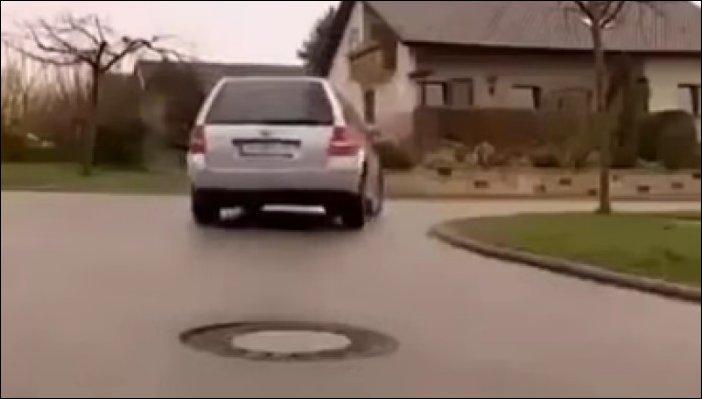 Как в Германии ремонтируют просевший люк