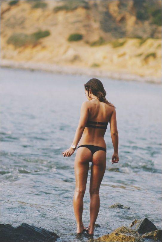летние девушки в бикини