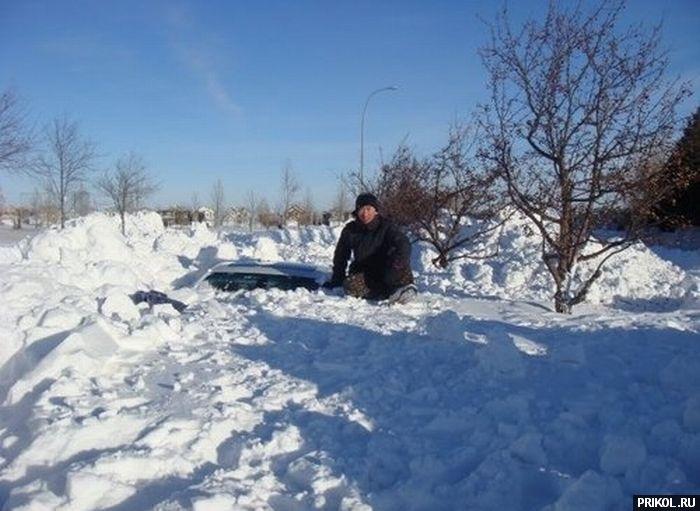 car-under-snow-04