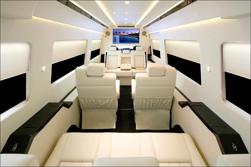 JetVan - микроавтобус с интерьером частного самолета