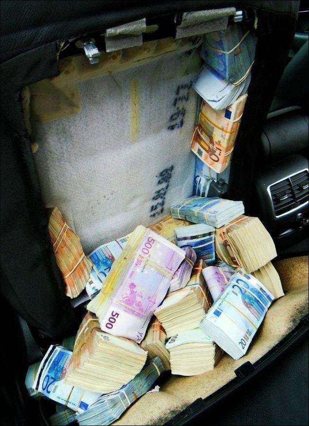 1,8 миллиона евро в спинках сидений