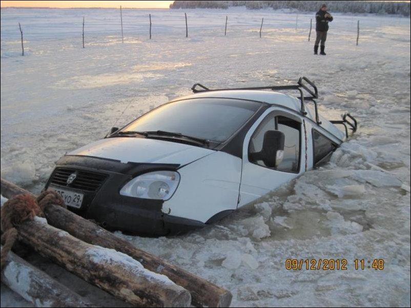 Газель провалилась под лед