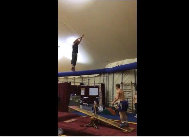 Гимнасты на тренировке