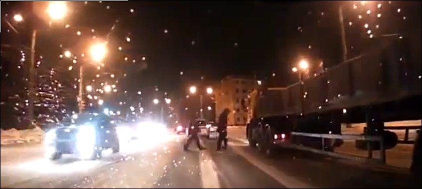 Пешеход спит на ходу