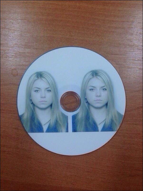 Два фото на компакт-диске