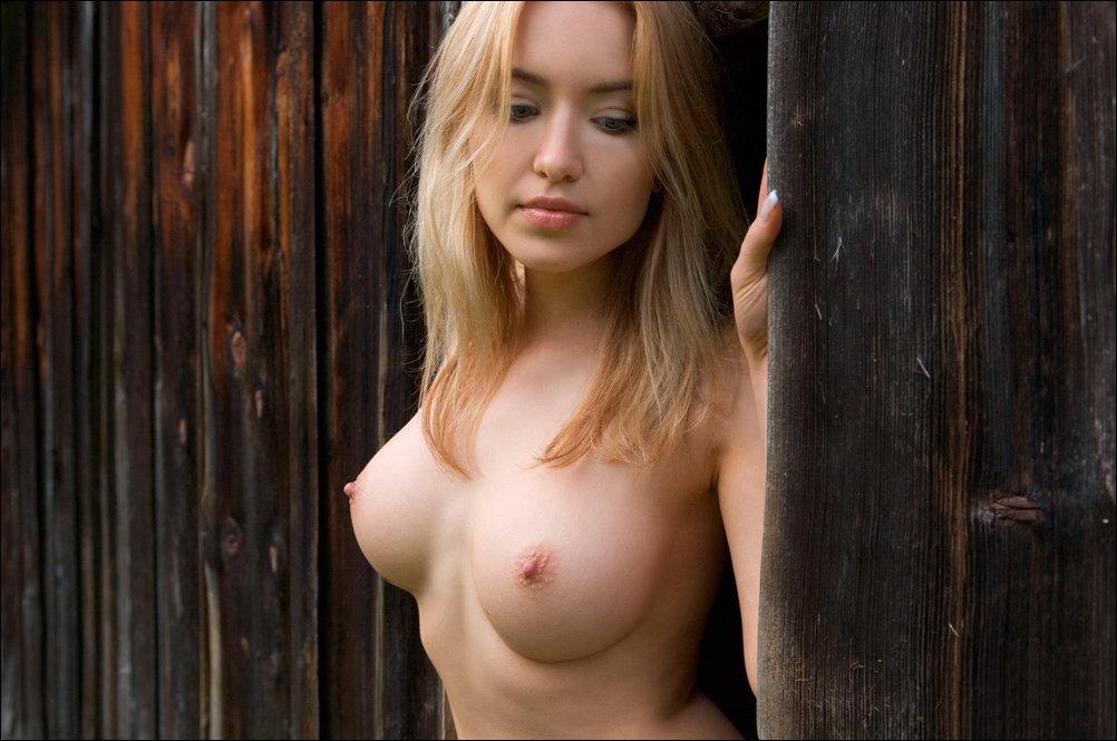 Фото молодых голых девушек с красивой грудью 79548 фотография
