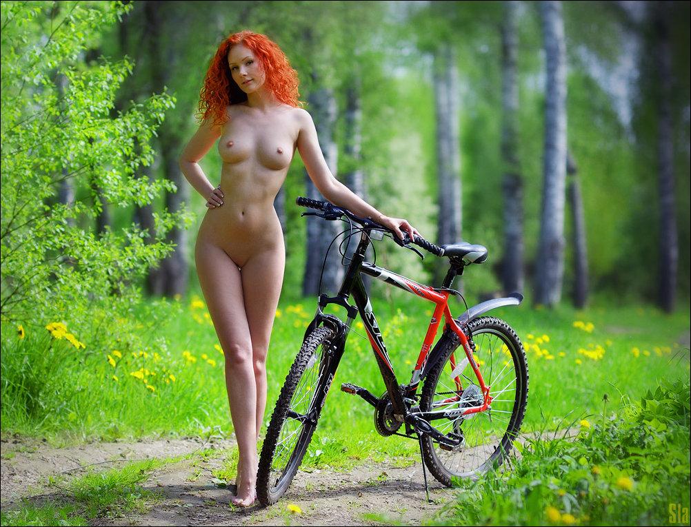 голые девчонки на велосипеде остынув