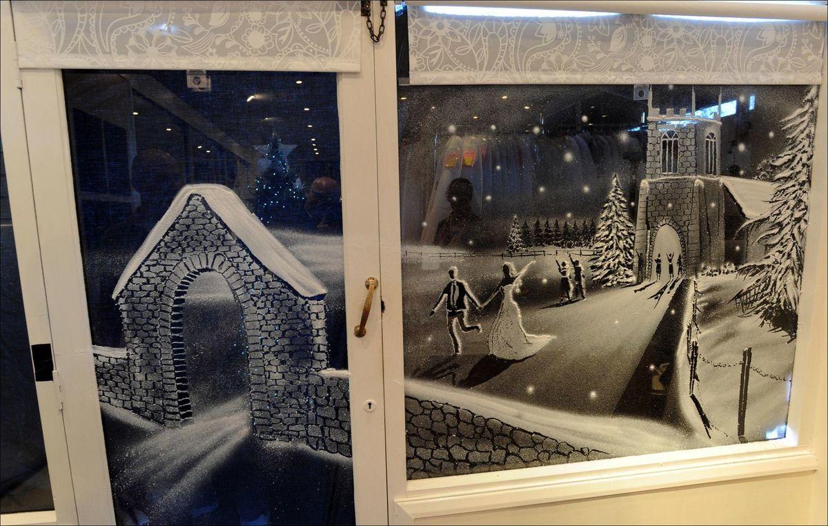 рисунки искусственным снегом