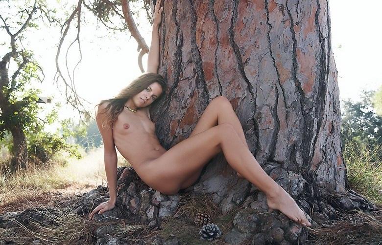 erotica-060210-14