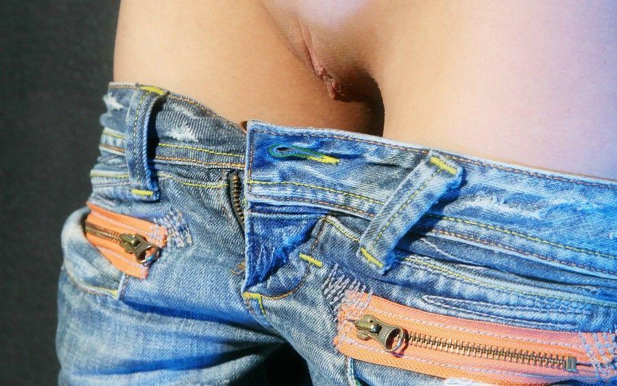 erotica-120210-03