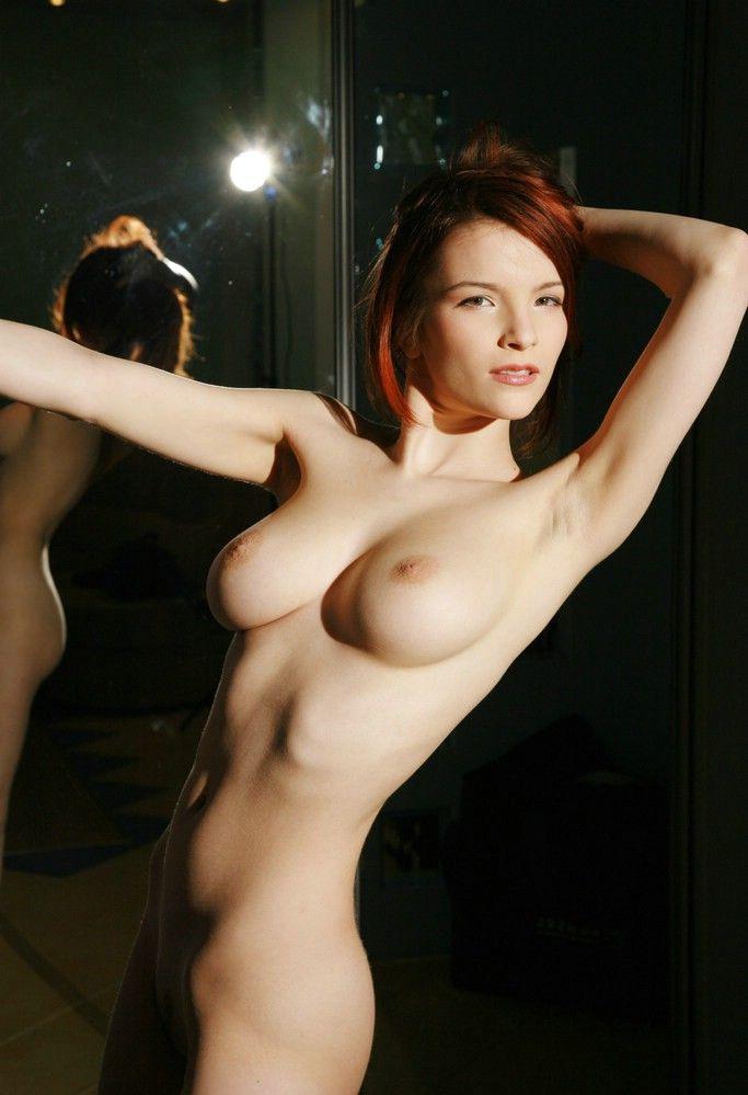 erotica-120210-08