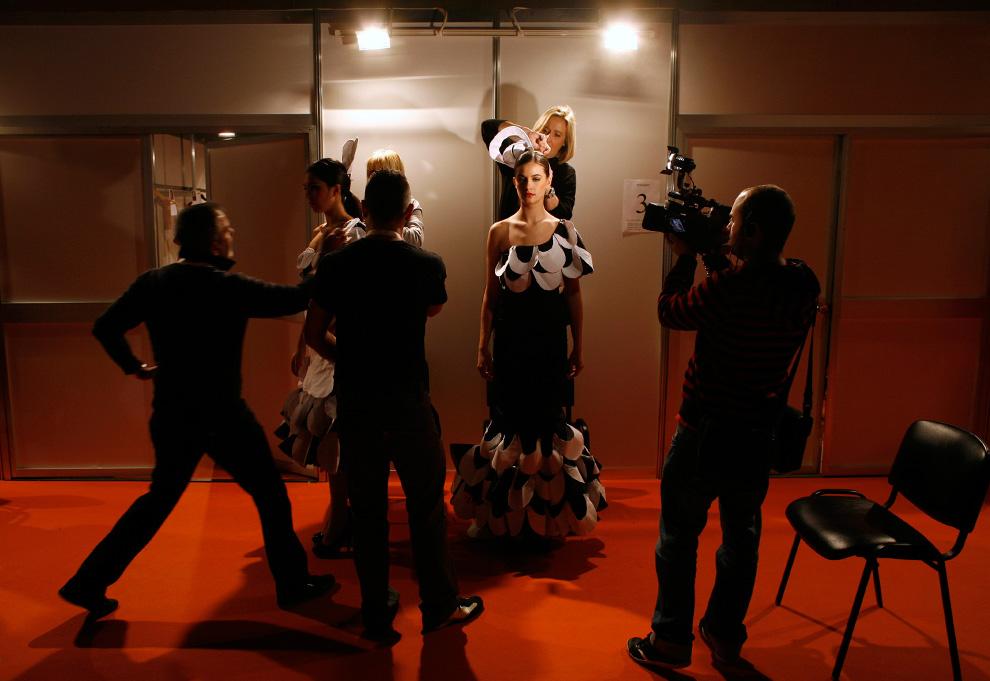 За кулисами модных эротических показов моды видео 2 фотография