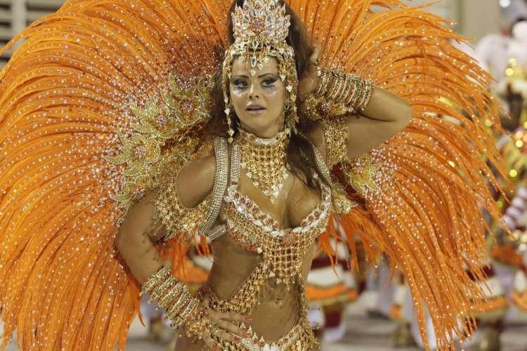 rio-de-janeiro-carnival-2010-01