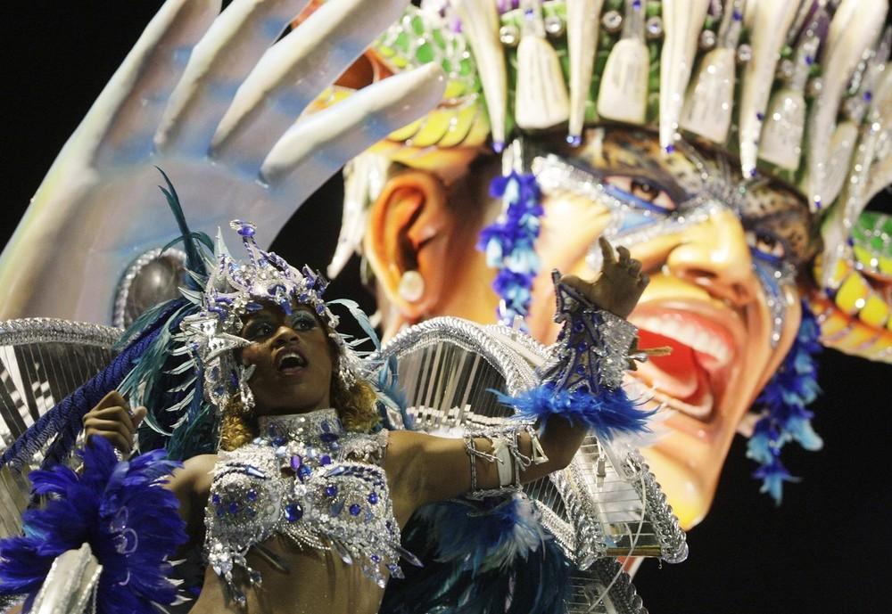 rio-de-janeiro-carnival-2010-12