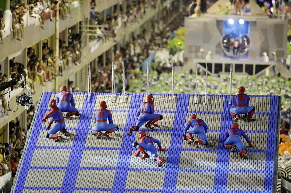 rio-de-janeiro-carnival-2010-15