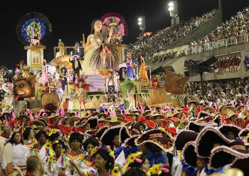 rio-de-janeiro-carnival-2010-16