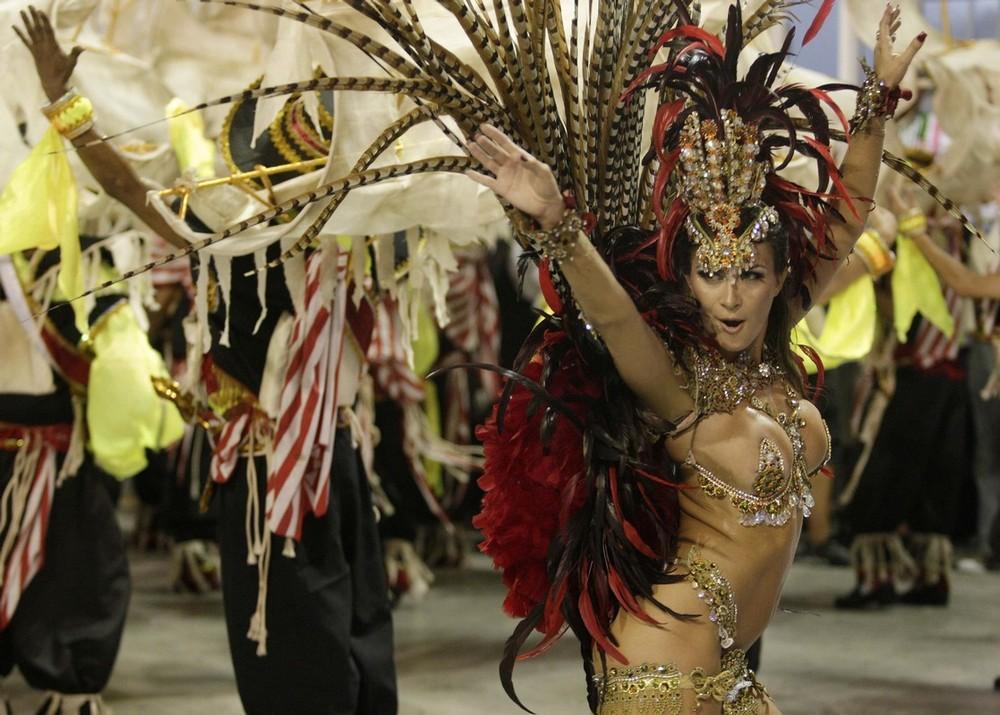 rio-de-janeiro-carnival-2010-18