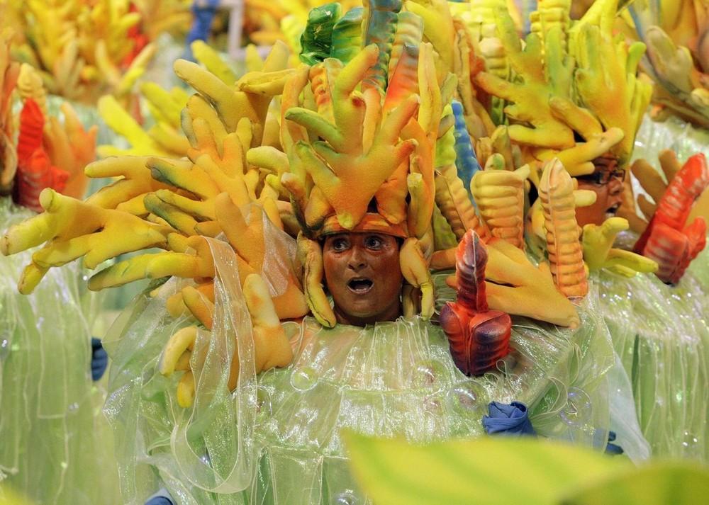 rio-de-janeiro-carnival-2010-20