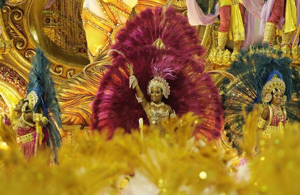 rio-de-janeiro-carnival-2010-24