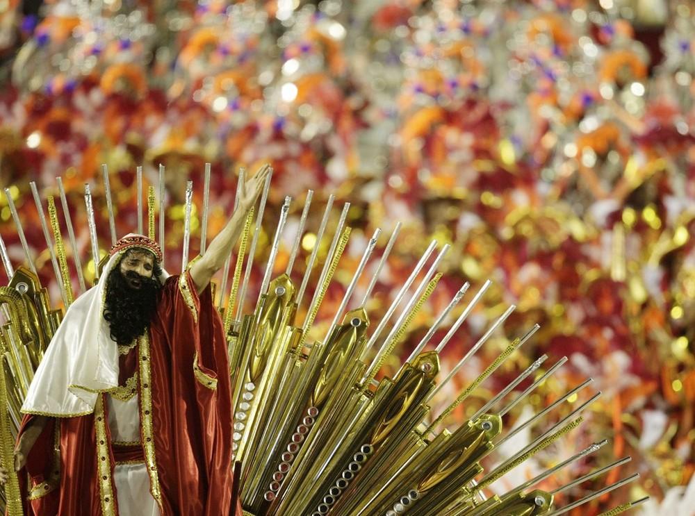 rio-de-janeiro-carnival-2010-31