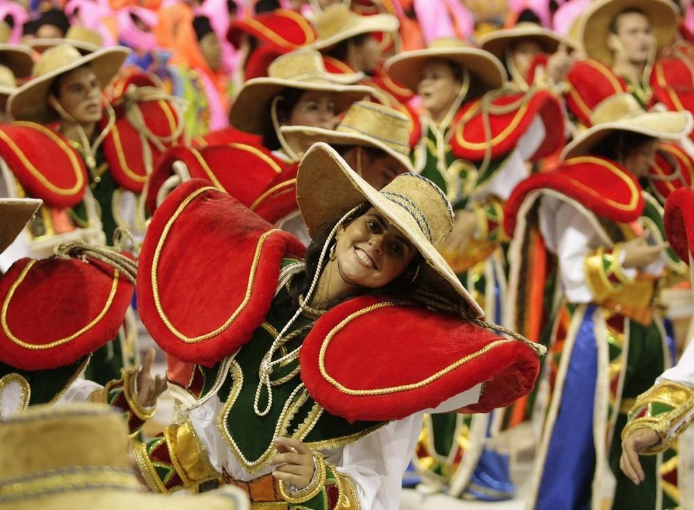 rio-de-janeiro-carnival-2010-34