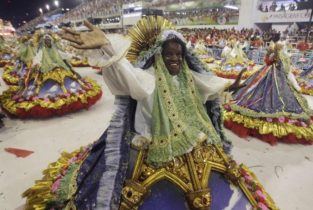 rio-de-janeiro-carnival-2010-36