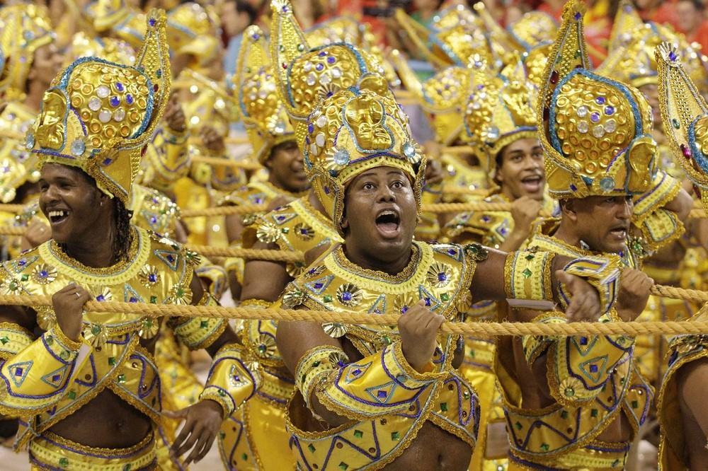 rio-de-janeiro-carnival-2010-37
