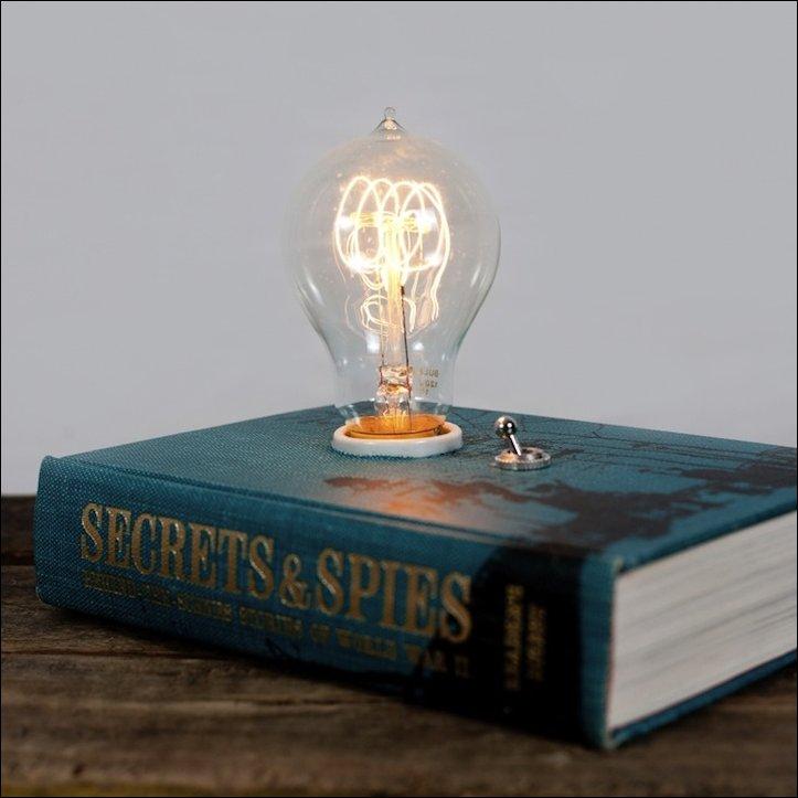 Светильник в книге